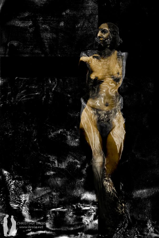 La jeune fille et la mort. Nature morte. Oeuvre originale: tirage Fine Art de l'artiste Christian Broise