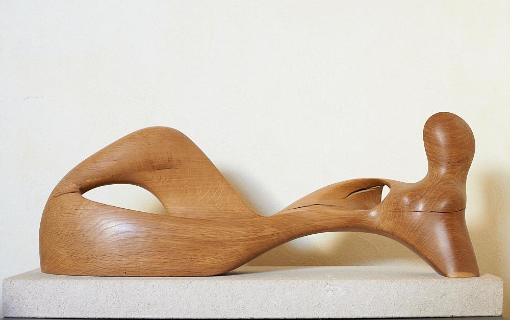 Figure allongée 2 (bois de chêne) de Christian Broise