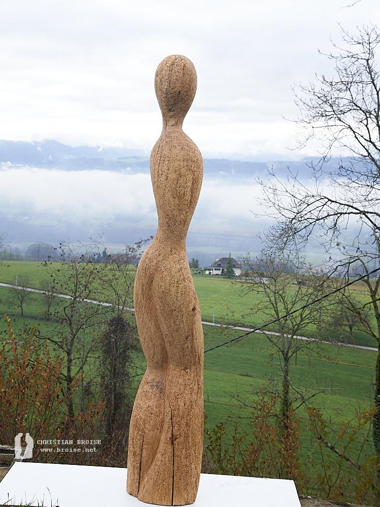 Figure debout 5 (Bois de pommier) de Christian Broise