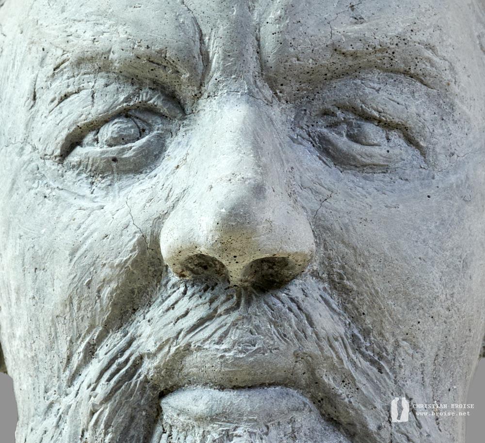 Portrait 2, détails (Béton) de Christian Broise